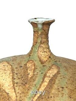 Gerry Williams New Hampshire Vintage Studio Art Pottery Thin Neck Abstract Vase