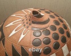 SMITH mcm vtg studio art pottery vase checkerboard dot white glaze mod incised
