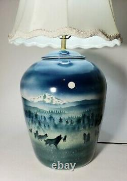 Stunning Vintage Oregon Mt hood Howling Wolves at Moon Enna Studio Pottery Lamp