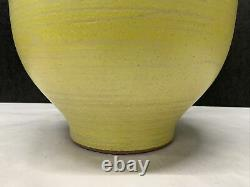 VTG Studio Pottery Table Lamp Mid Century stoneware pale yellow large 28