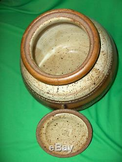 Vintage Studio Crafted Pottery Cookie Jar Sugar Canister Pasta Holder NICE